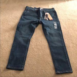 Levi's Slimming Skinny Size: 16 short